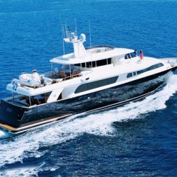 Power yacht charter